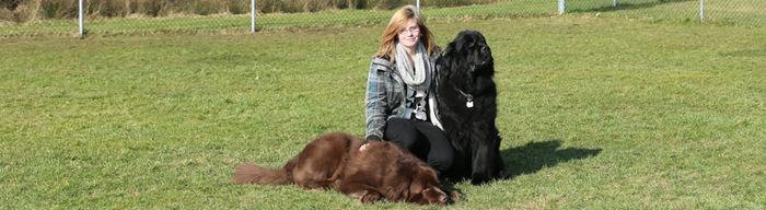 Frau Lieratsch - ausgebildete Hundetrainerin und Tierpflegerin